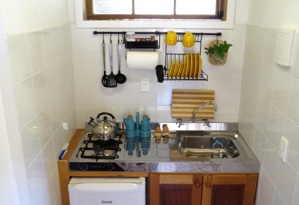 Casa Enxaimel no sitio Pedras Rollantes em Alfredo Wagner, na foto cozinha do Estudio Nascente.
